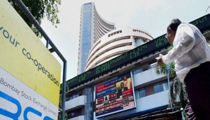Sensex rises 168 points on RIL earnings