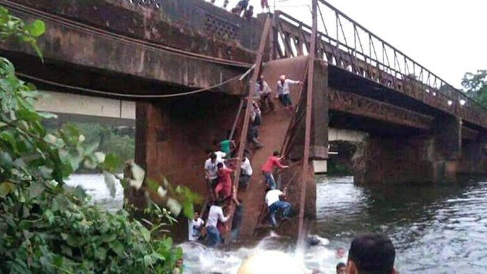 Bridge that connecting the Sanvordem and Curchorem village in South Goa district that Goa bridge collapsed on Thursday