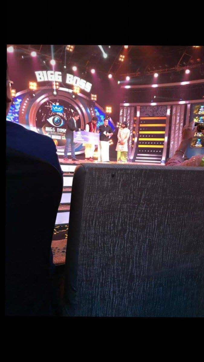 Colors website bigg boss 9 voting - Bigg Boss Tamil Vote Bigg Boss Vote On World Television Bigg Boss Is One Of The Most Viewed Popular Show It Was First Developed By Endemol In The