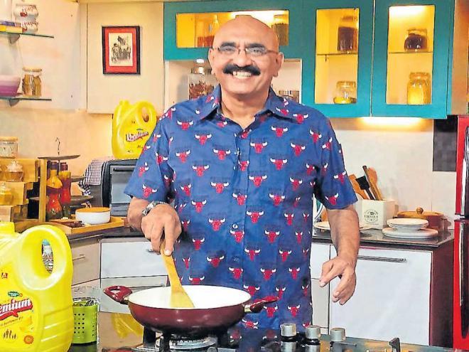 Sihi Kahi Chandru Biography