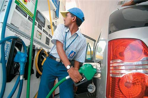 Petrol pump dealers call off their strike