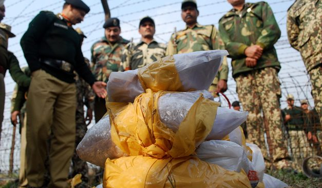 Pakistan Smugglers Use Divers to Smuggle Drugs