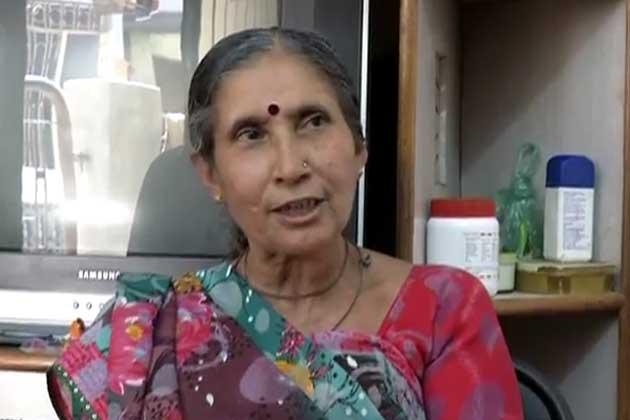 Narendra Modi Wife Jashodaben in Temple
