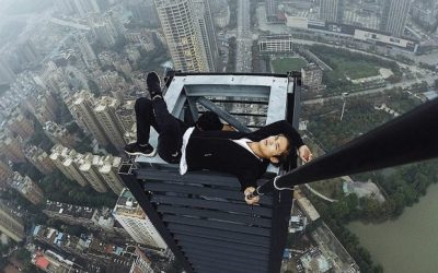 Watch Video: Daredevil fails | Man Dead while doing pull-ups on Skyscraper