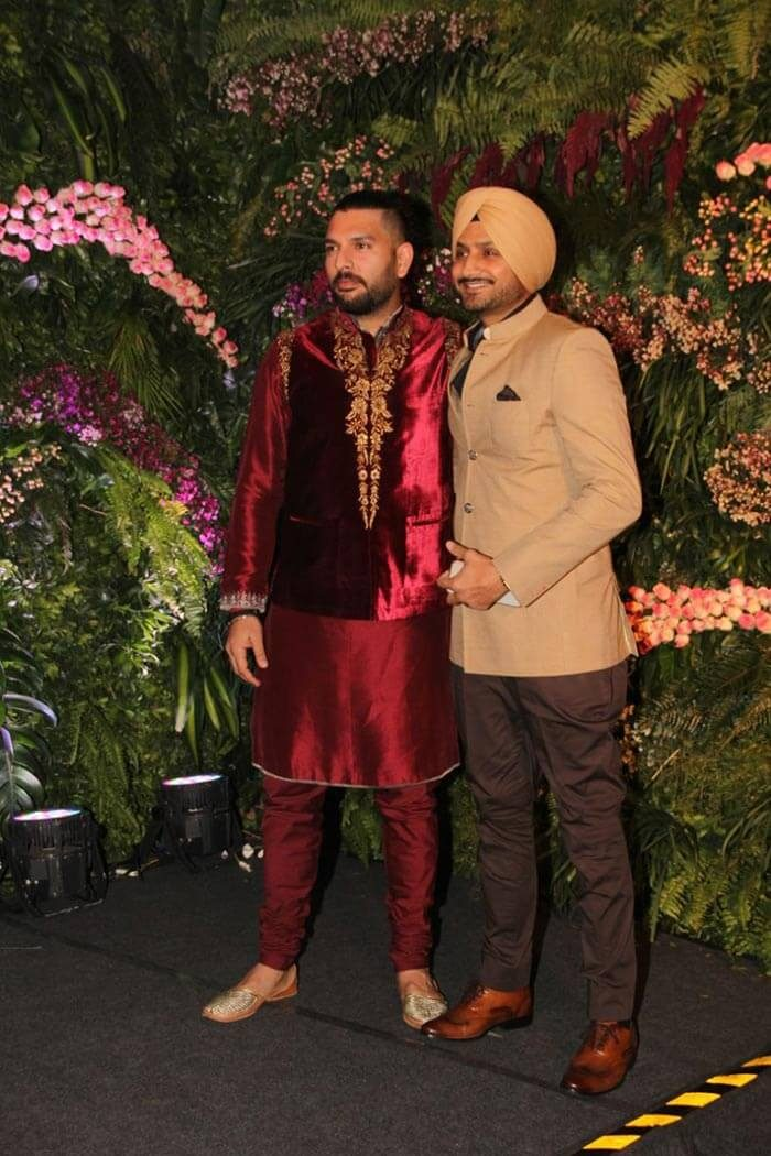 Yuvraj and Harbhajan made an entry like this