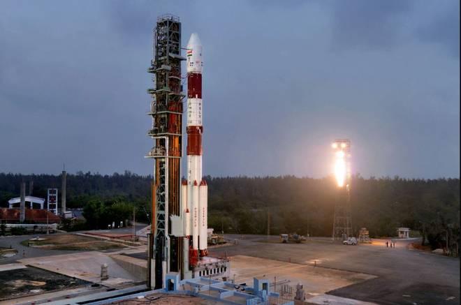 ISRO Launches 100th Satellite PSLV-C40ISRO Launches 100th Satellite PSLV-C40