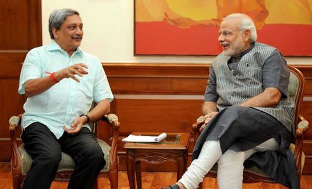 Narendra Modi Meets Manohar Parrikar As Hospital Rubbishes Rumours About His Health