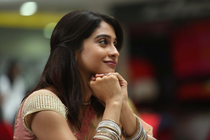Regina Cassandra Biography