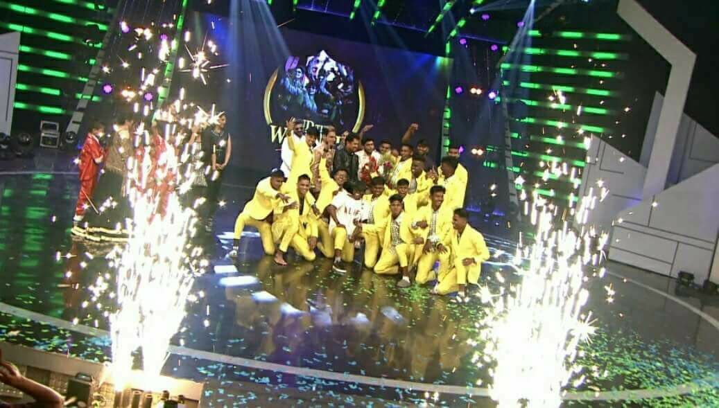Winner of Kings of dance season 2 Lap Crew