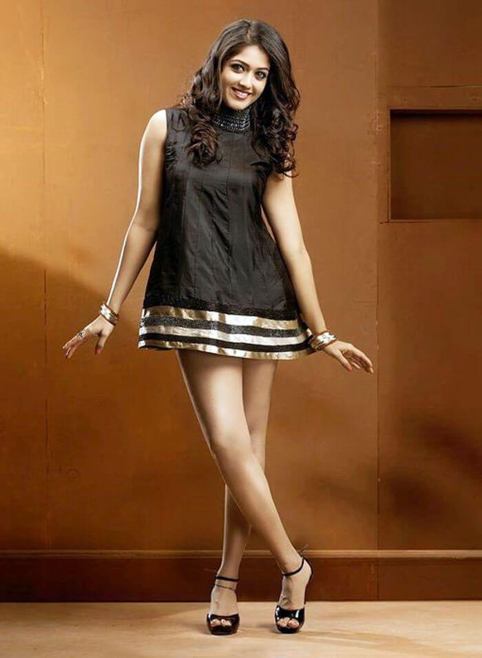 100 degree celsius malayalam movie shwetha menon gets a blackmail call - 5 6