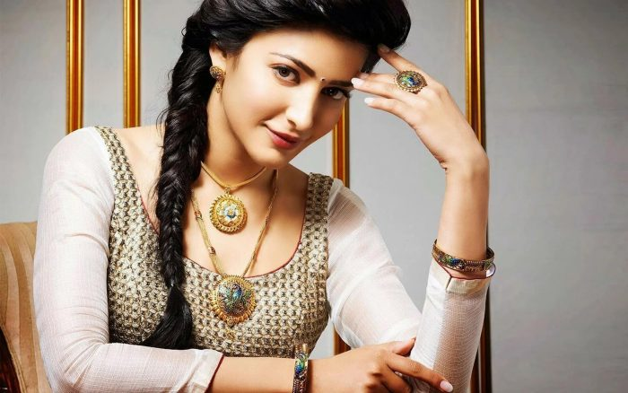 Shruti Haasan Early Life and Career