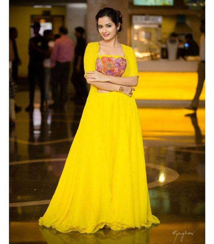 Ashika Ranganath Images