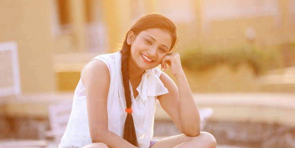 Jui Gadkari Images