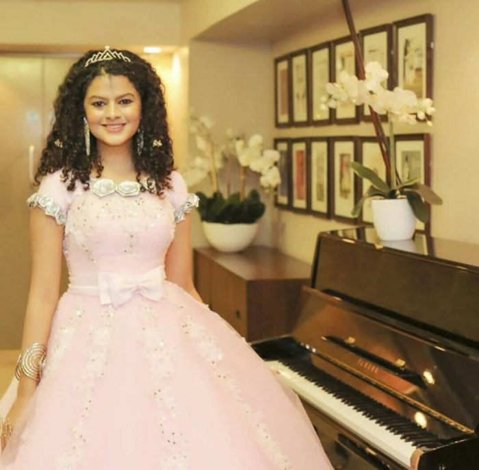 Ami Ki Tomay Songs Download: Palak Muchhal Wiki, Biography, Age, Songs List, Images