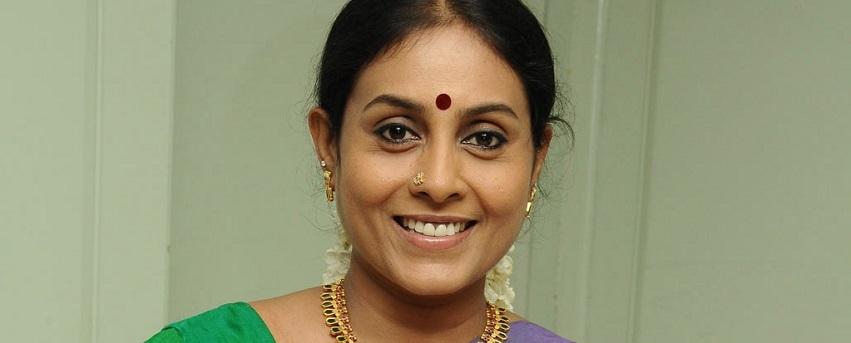 Saranya Ponvannan images