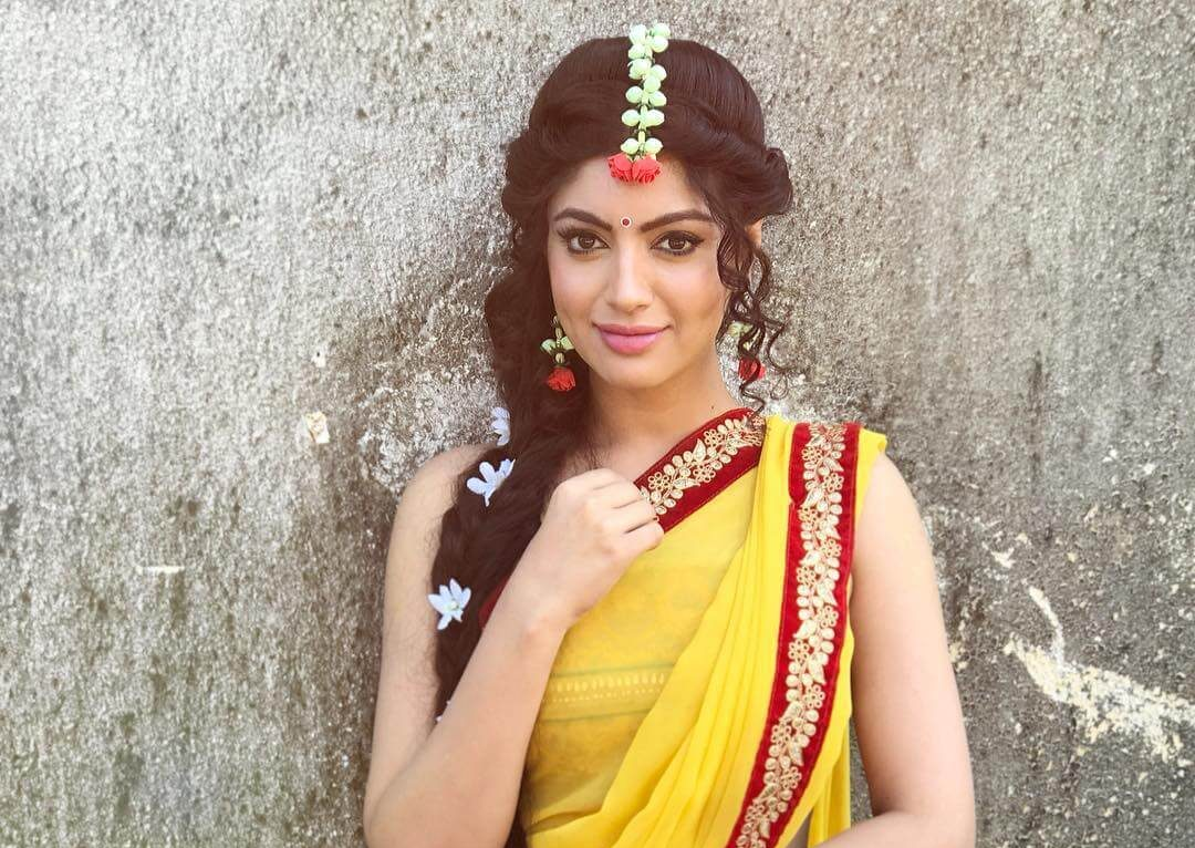Akanksha Puri Wiki, Biography, Age, Movies, Images