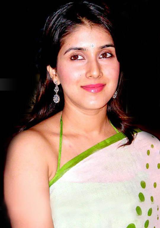 Keerthi Reddy wiki