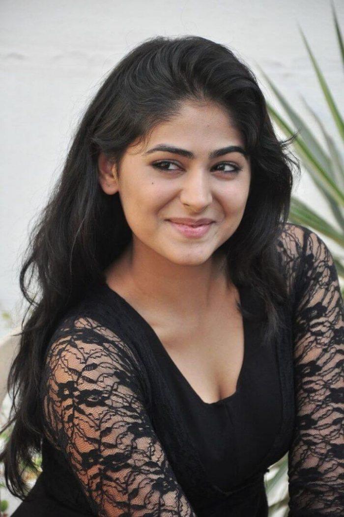 Palak Lalwani Wiki