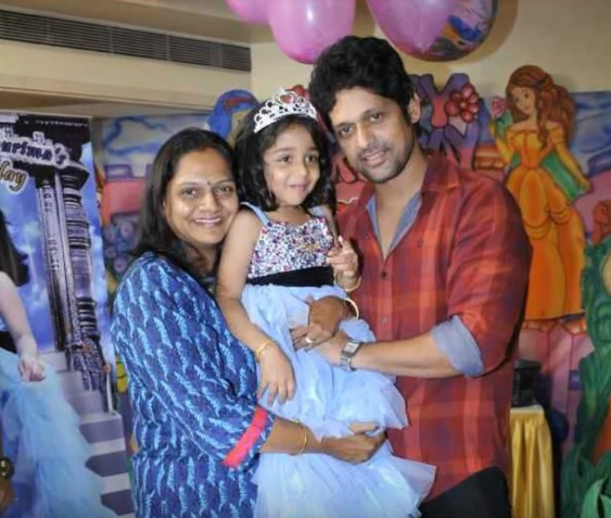 Rajesh Shringarpure is married to Dimple