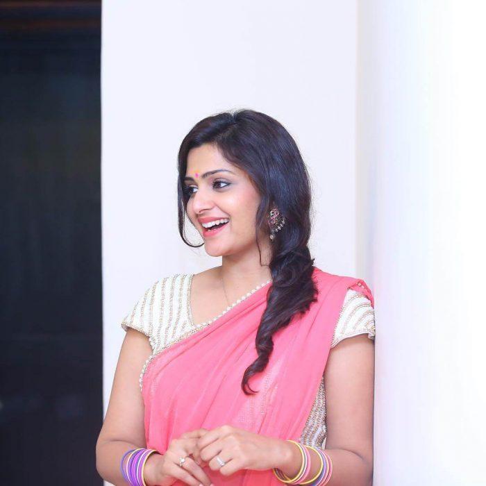 Divya Pillai Wiki