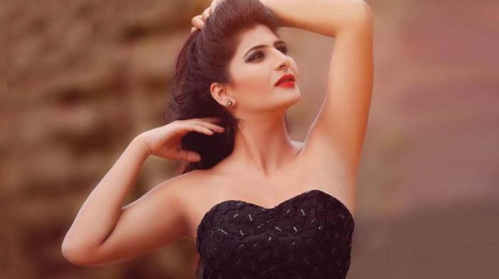 Neha Saxena Wiki | Neha Saxena Bigg Boss Malayalam