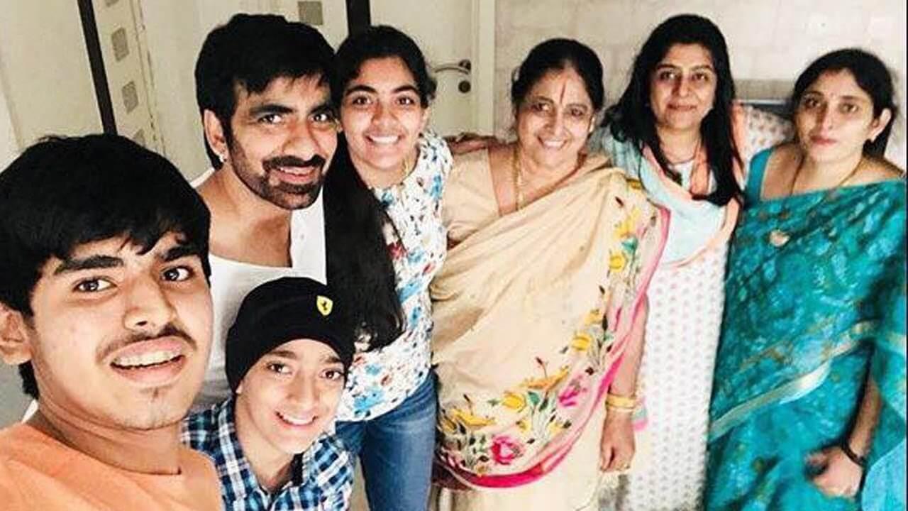 Ravi Teja Family Photo News Bugz