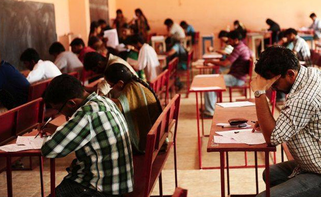 Tamil Nadu Labourer's Daughter Commits Suicide After Failing NEET