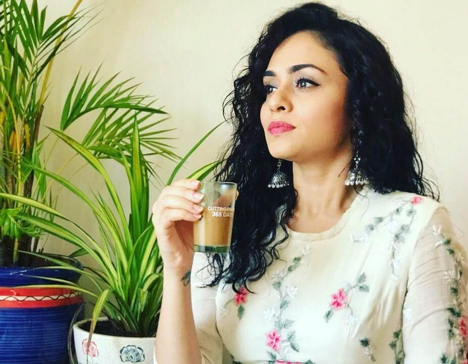 Amruta Khanvilkar Wiki, Biography, Age, Family, Movies
