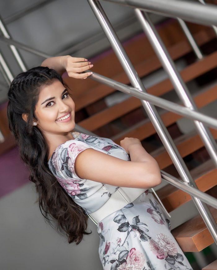 Anupama Parameswaran HD Images
