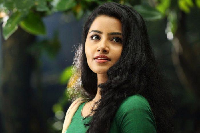 Anupama Parameswaran Wiki