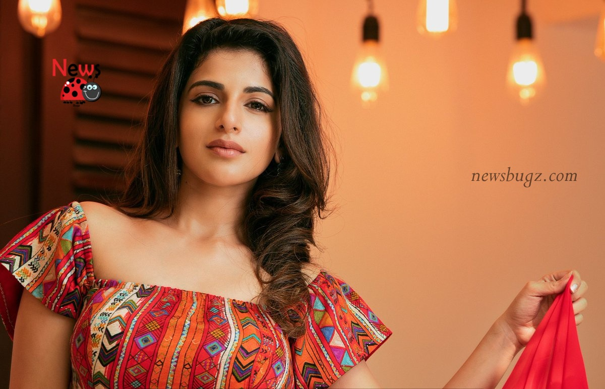 Iswarya Menon Images, HD Photos, Wallpapers, Latest ...