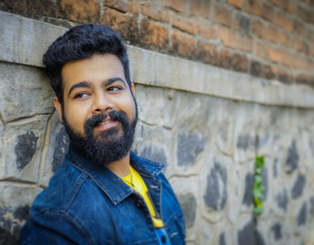 Santosh Hariharan Images