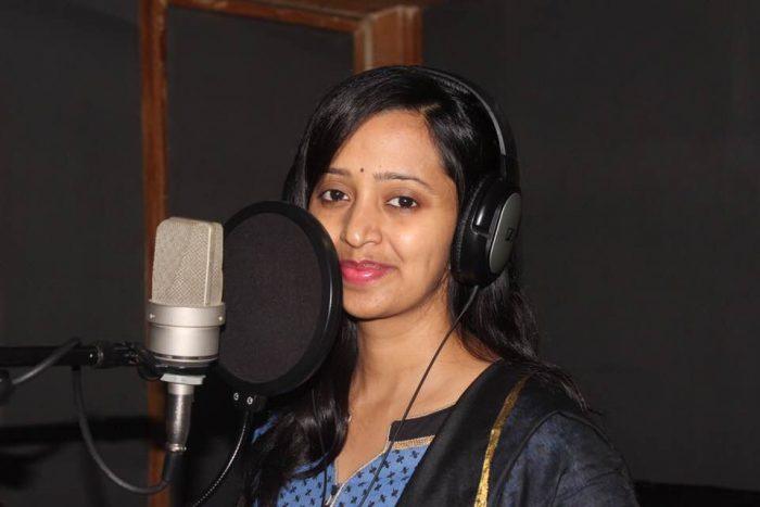 Singer Malavika Wiki