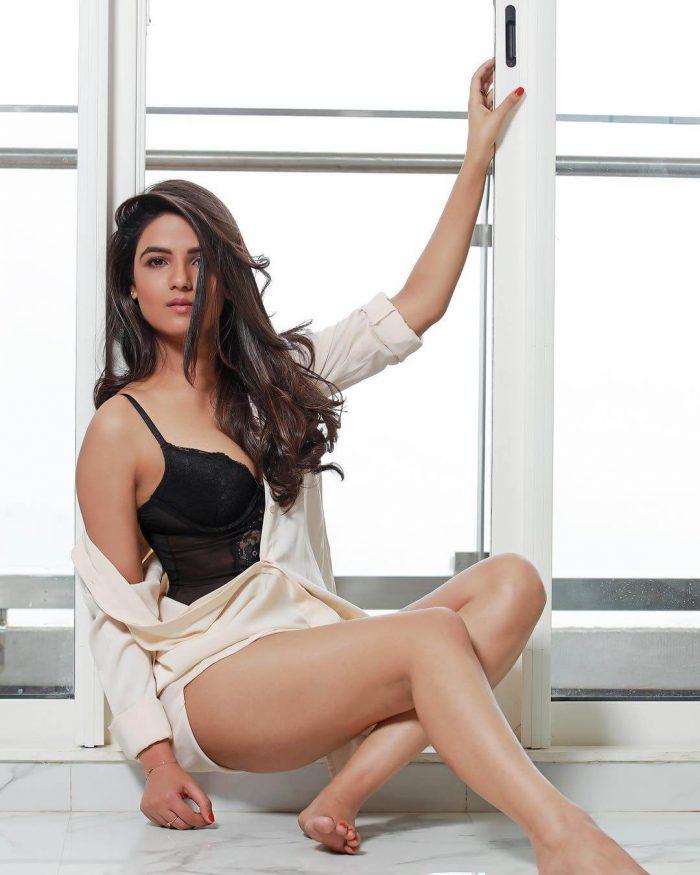 Jasmin Bhasin Wiki