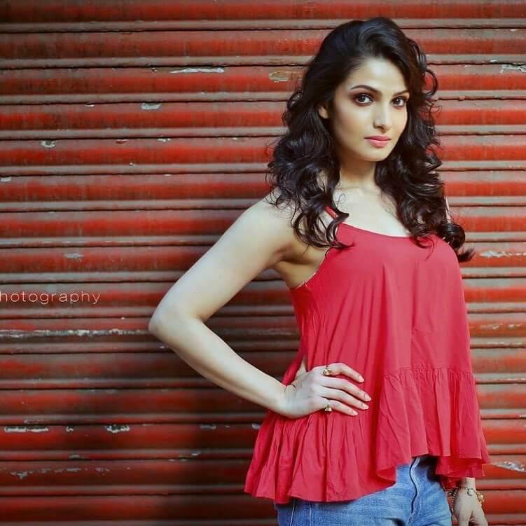 Tanusree Chakraborty sexy dress Height, Weight, Age, Body Measurement, Wedding, Bra Size, Husband, DOB, instagram, facebook, twitter, wiki