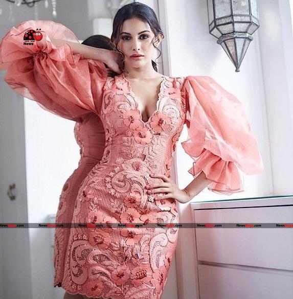 Amyra Dastur Images