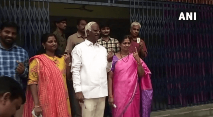Deputy Chief Minister Kadiyan Srihari cast his vote in Warangal.