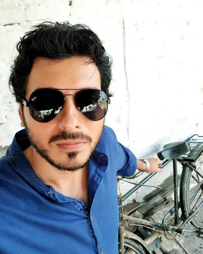 Divyendu Sharma Wiki, Biography, Age, Movies, Family, Images - News Bugz
