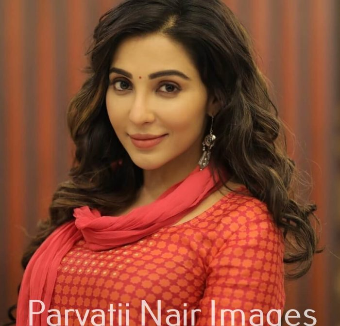 Parvatii Nair Images