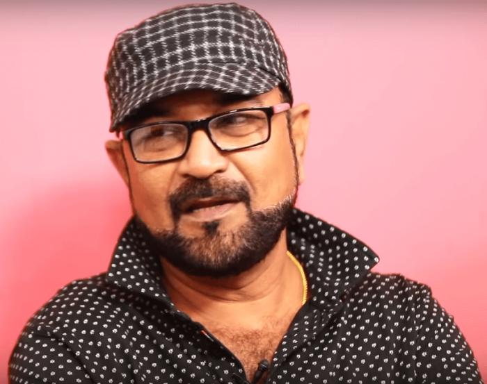 Dhilluku Dhuddu Director