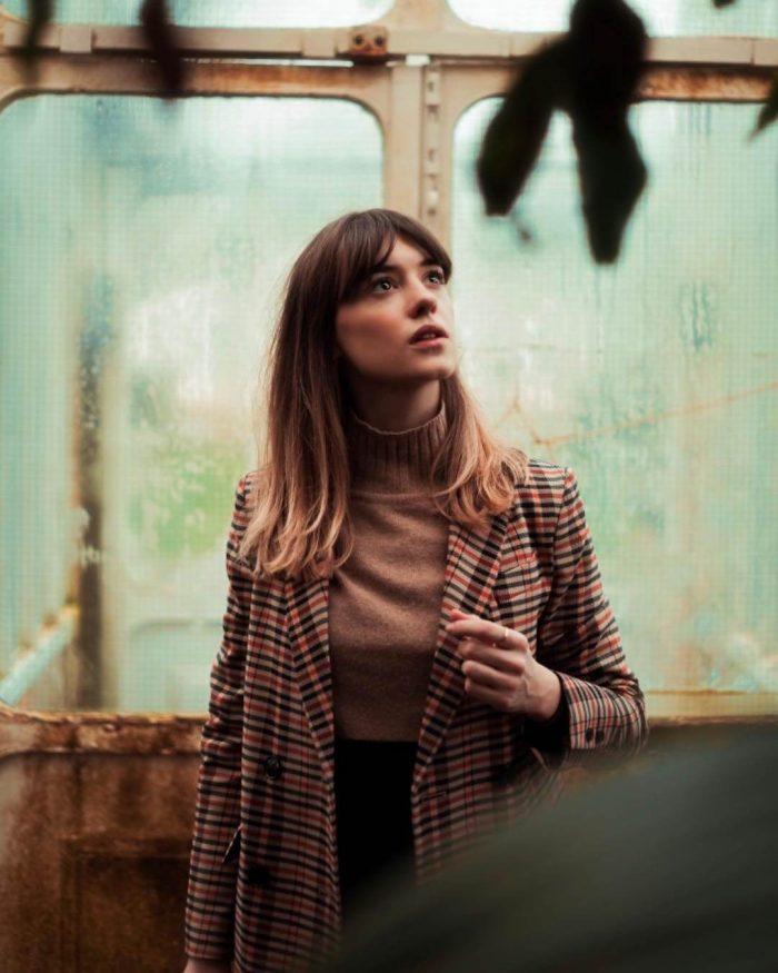 Daisy Edgar-Jones Images