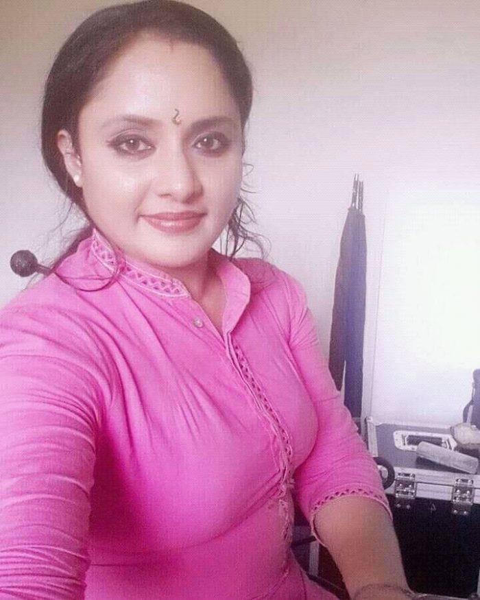 Nisha Sarang Images