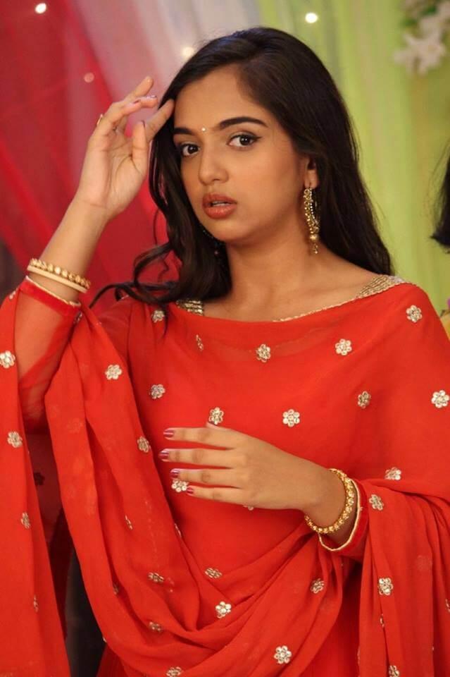 Ahsaas Channa Images