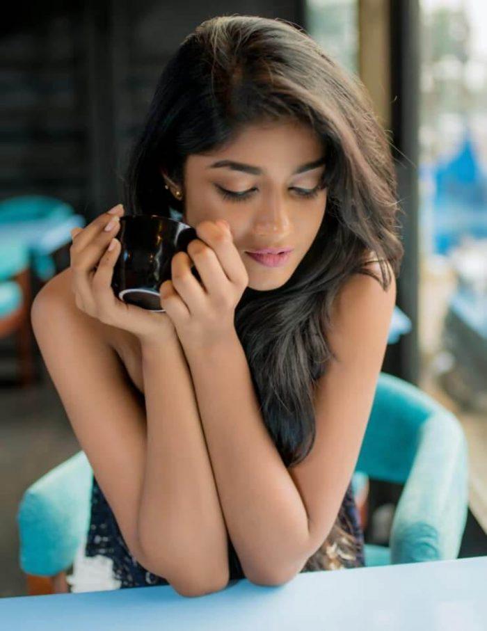 Dimple Hayathi Images