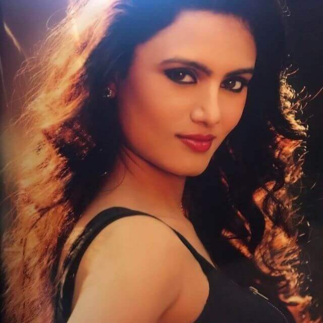 Nisha Mavani Photos