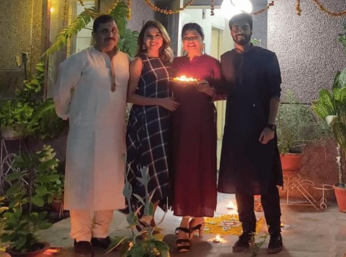 Ridhima Pathak Family