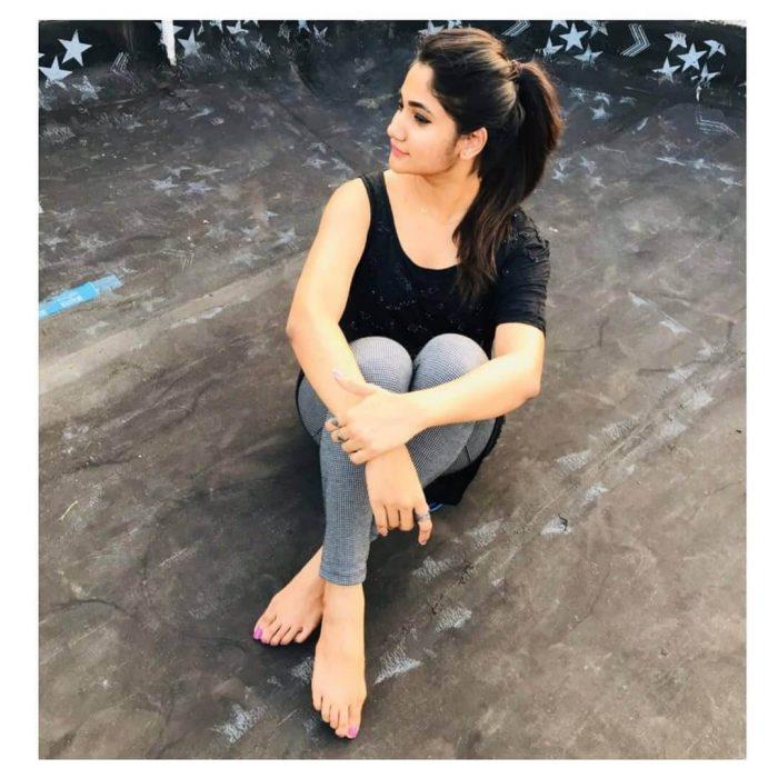 Losliya Images