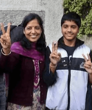 Pulkit Kejriwal Mother Sunita Kejriwal