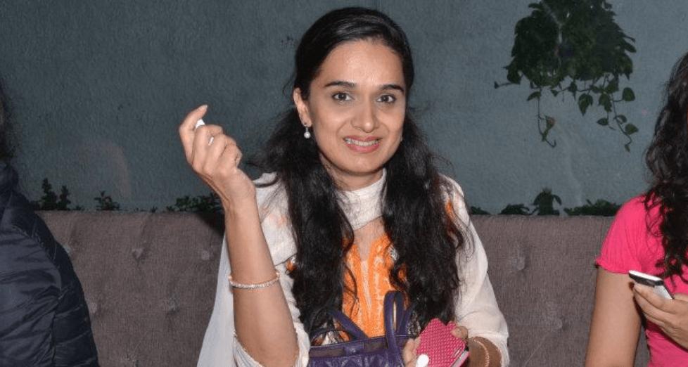 Shivangi Kapoor Images