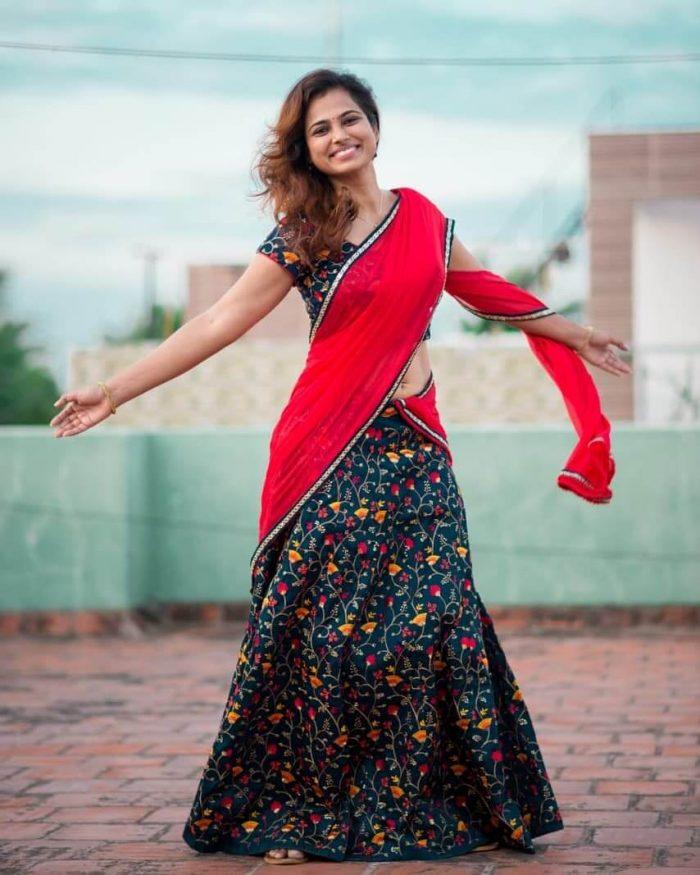 Ramya Pandiyan Images